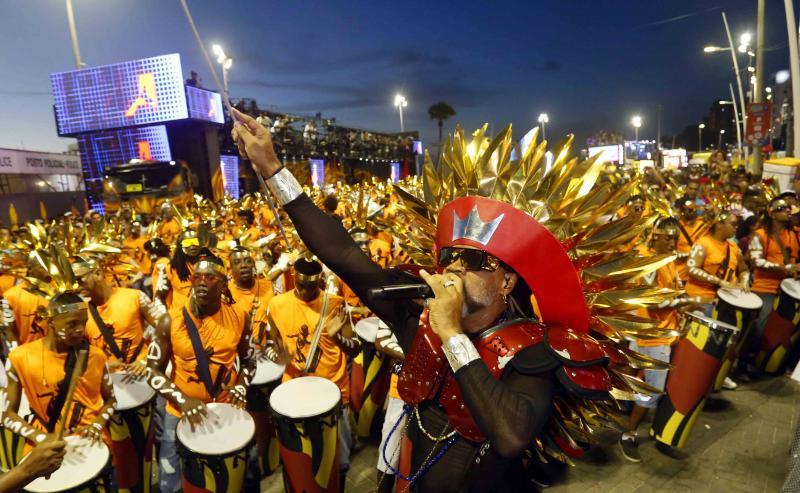 Carlinhos Brown dá o pontapé inicial ao Carnaval de Salvador