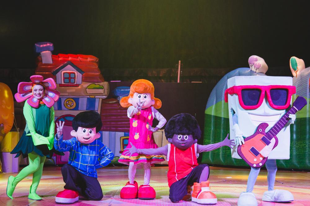 """Teatro ISBA recebe espetáculo infantil """"Deus é tão bom"""" do grupo 3 Palavrinhas"""