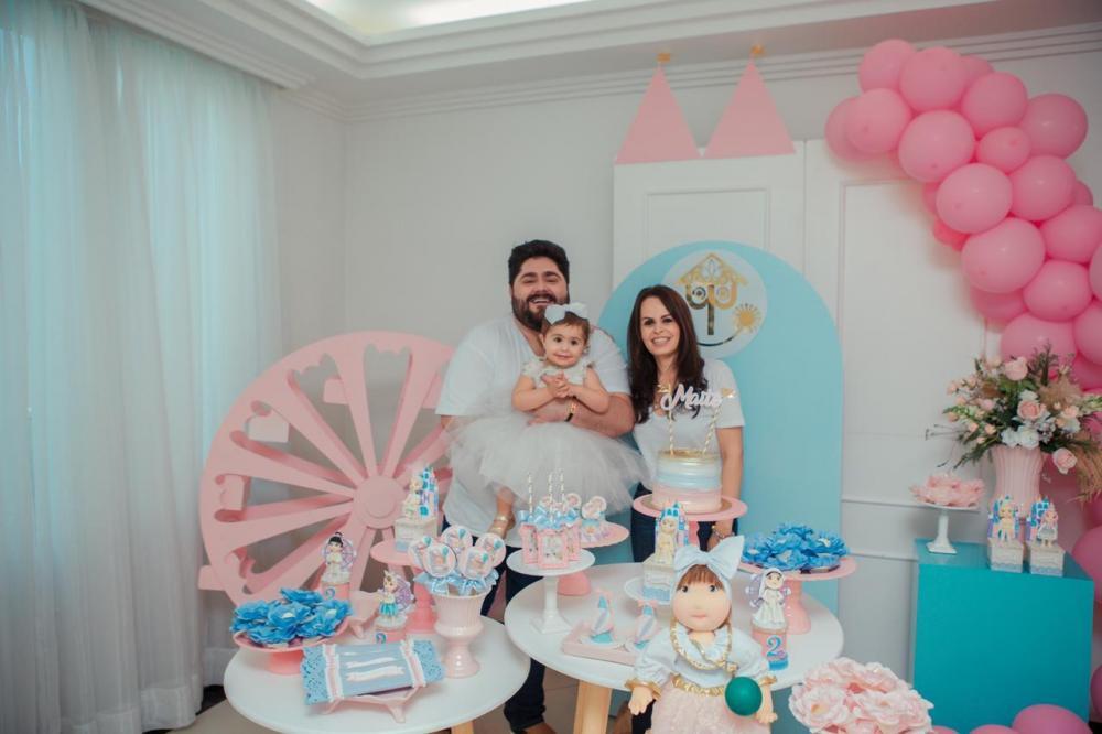 César Menotti comemora os dois anos da filha Maitê