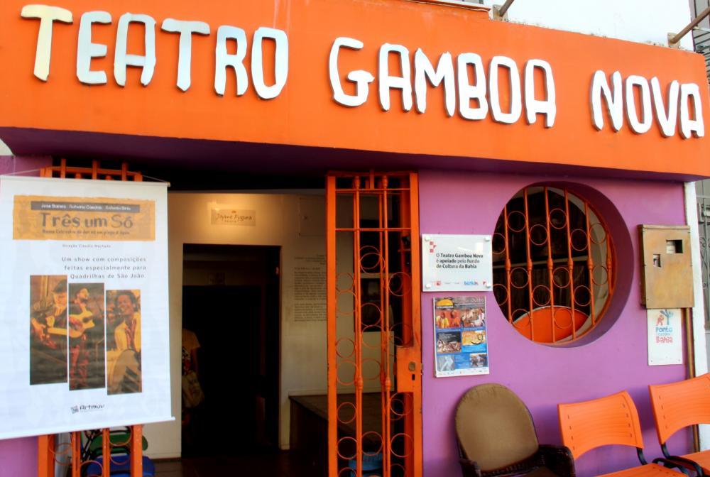 TEATRO GAMBOA COMPLETA 46 ANOS